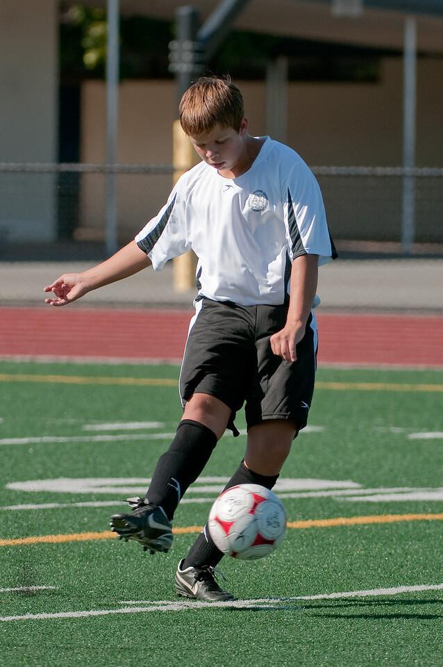 Los-Altos-Soccer-U16B-20090920155555_9883