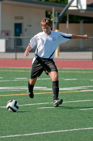 Los-Altos-Soccer-U16B-20090920155716_9915