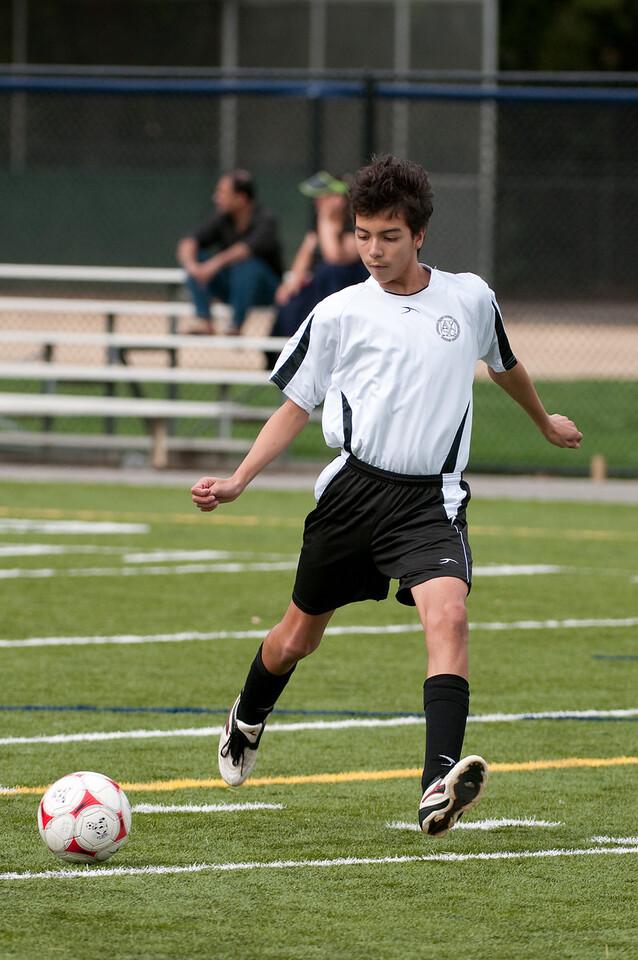 Los-Altos-Soccer-U16B-20091018135333_1955