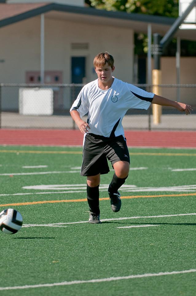 Los-Altos-Soccer-U16B-20090920155716_9914