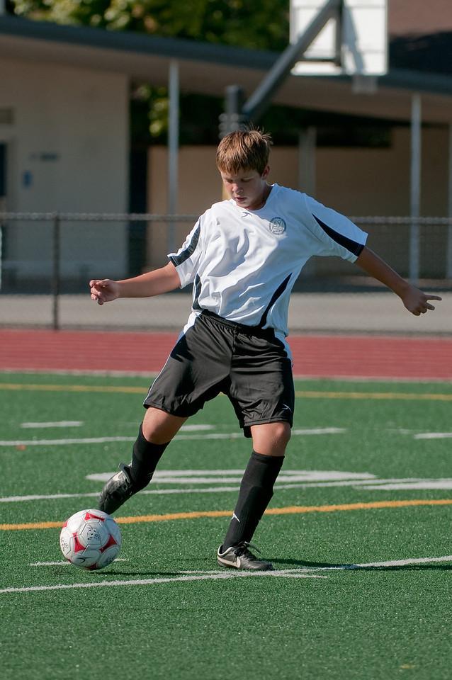 Los-Altos-Soccer-U16B-20090920155555_9882
