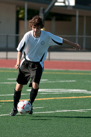 Los-Altos-Soccer-U16B-20090920155451_9852