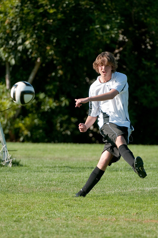 Los-Altos-Soccer-U16B-20091004161524_20981