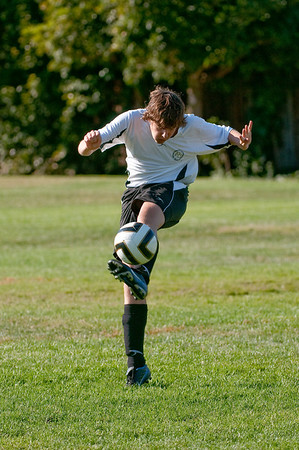 Los-Altos-Soccer-U16B-20091004160444_20936