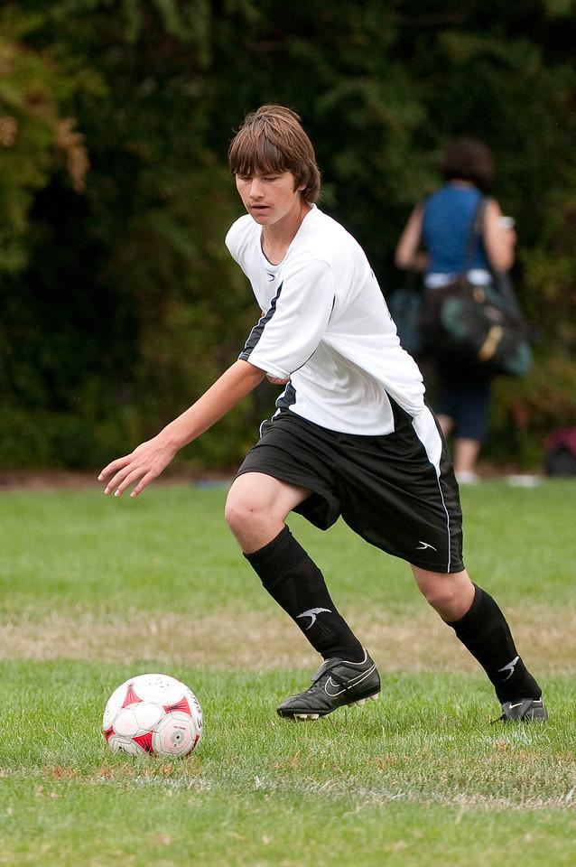 Los-Altos-Soccer-U16B-20090913140013_8550