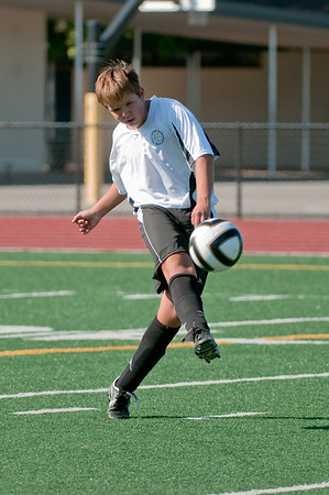 Los-Altos-Soccer-U16B-20090920155717_9917