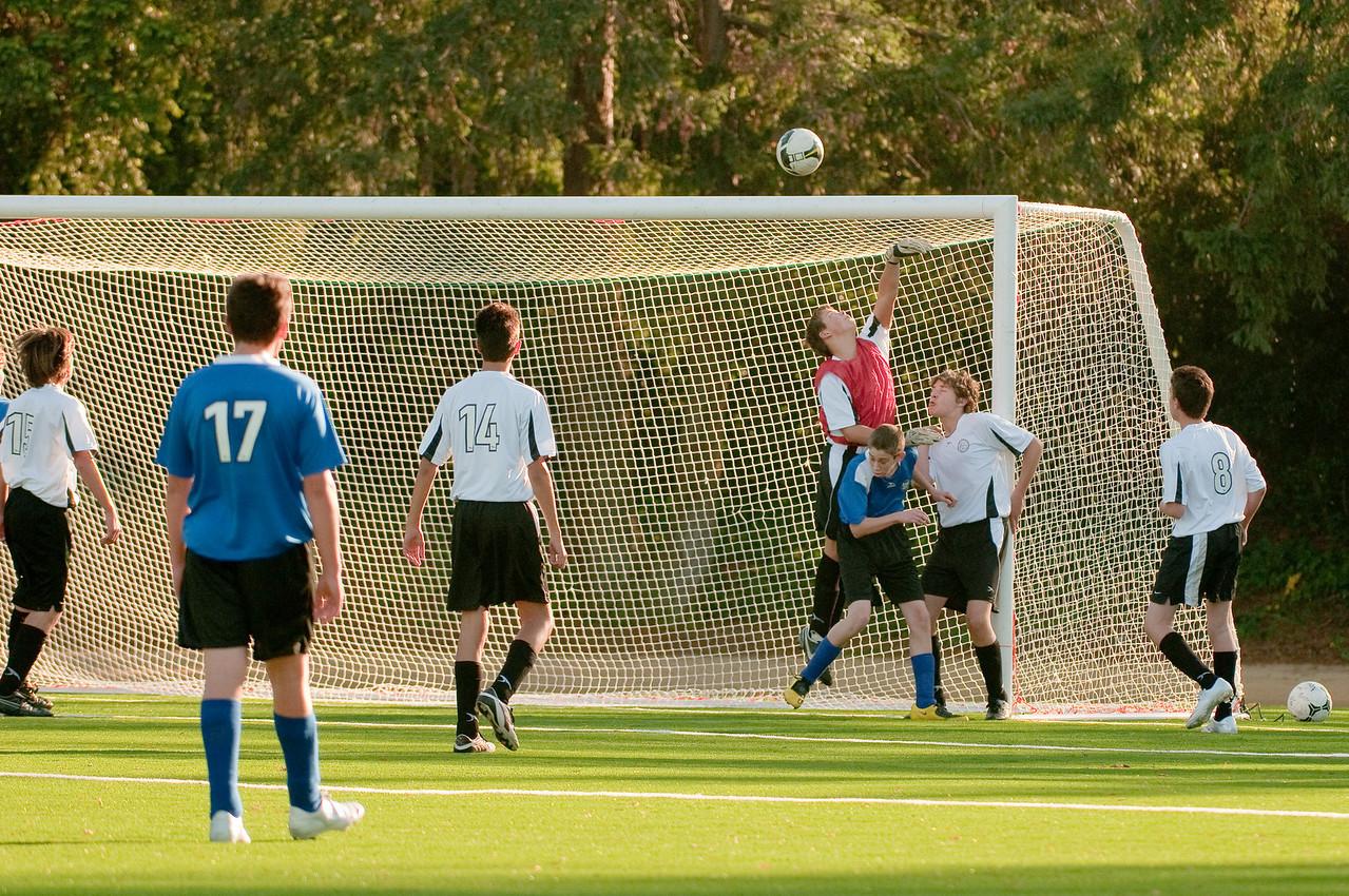 Los-Altos-Soccer-U16B-20091101161357_3163