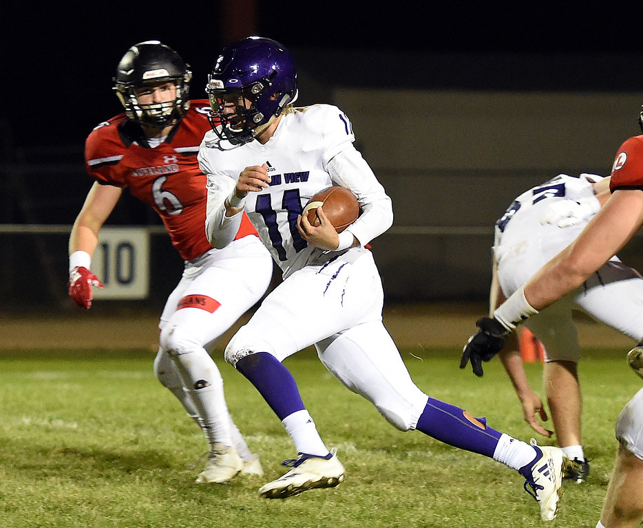 . Mountain View\'s (11) Lukas Arthur takes the ball downfield during their game against Loveland Friday, Sept. 28, 2018, at Patterson Stadium in Loveland.   (Photo by Jenny Sparks/Loveland Reporter-Herald)