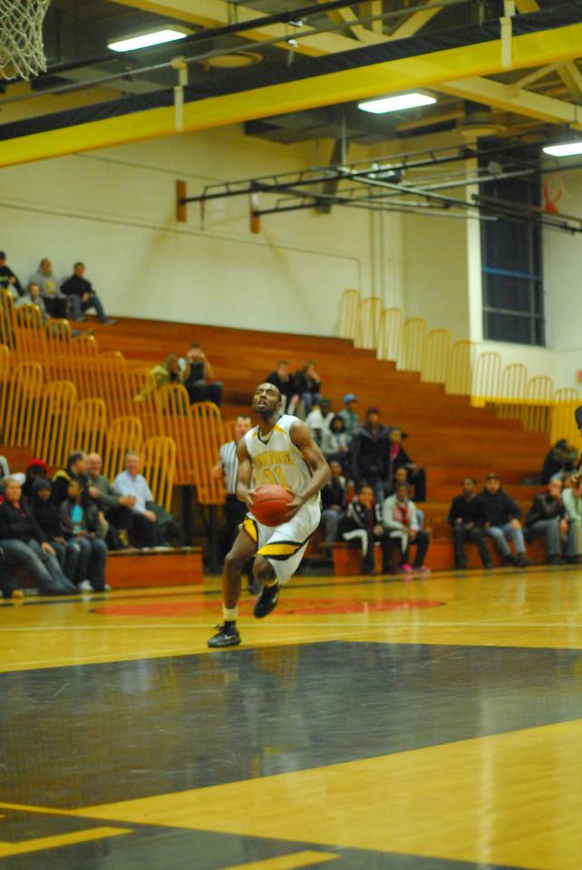 20100128_MCC Basketball_0113