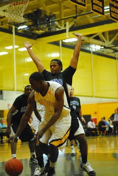 20100128_MCC Basketball_0013
