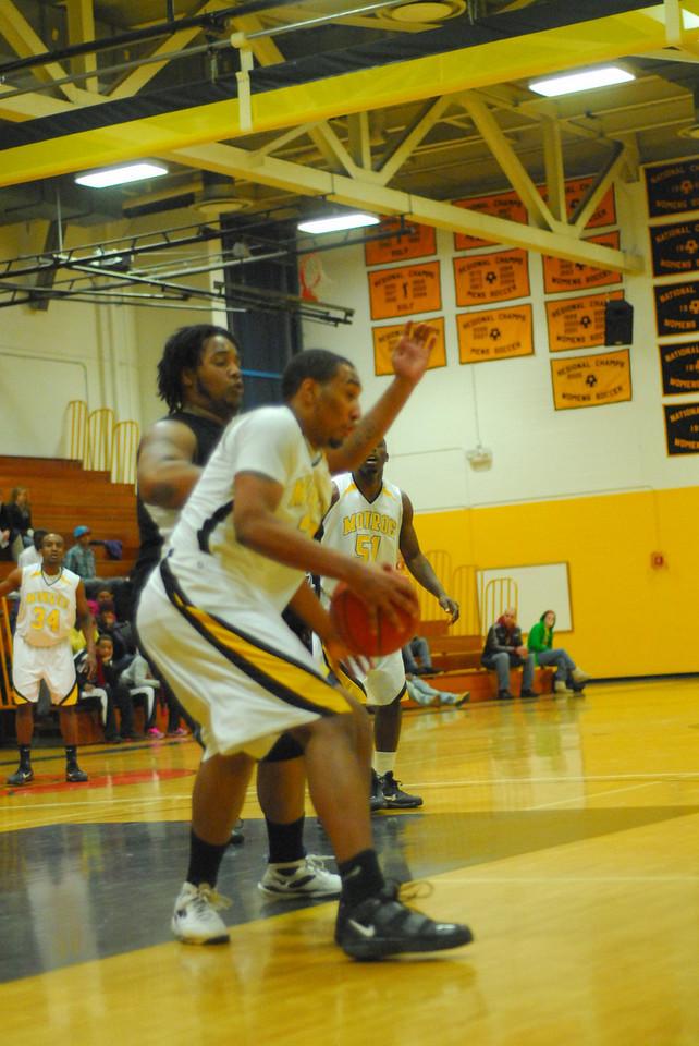 20100128_MCC Basketball_0047