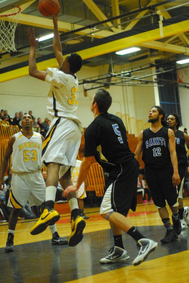20100128_MCC Basketball_0101