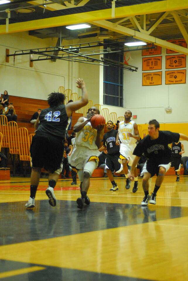 20100128_MCC Basketball_0080
