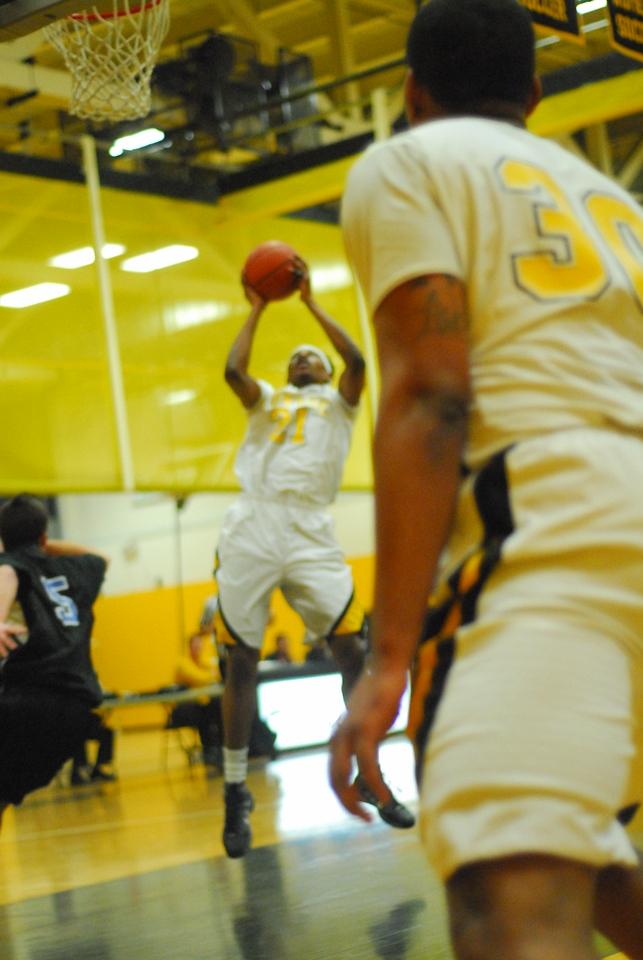 20100128_MCC Basketball_9948