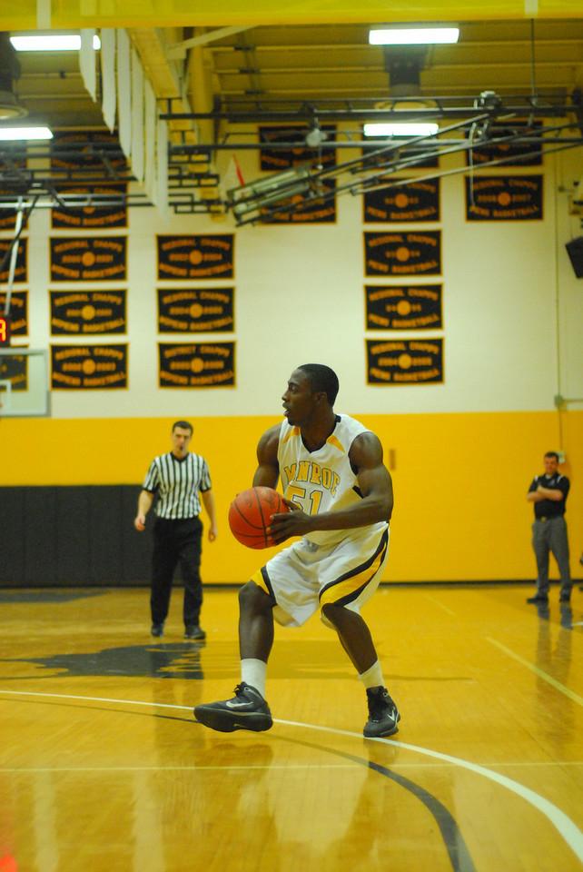 20100128_MCC Basketball_0075