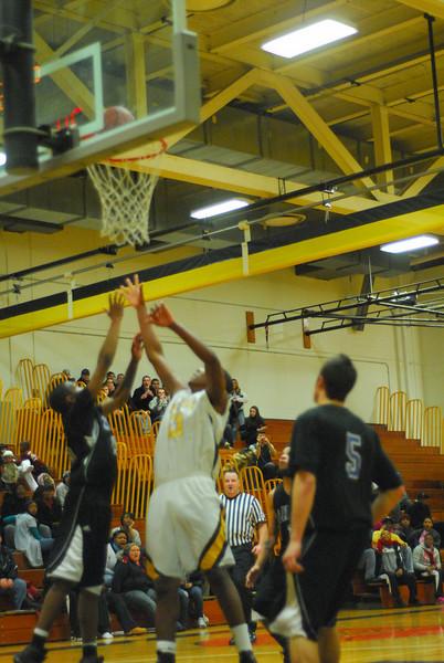 20100128_MCC Basketball_0097