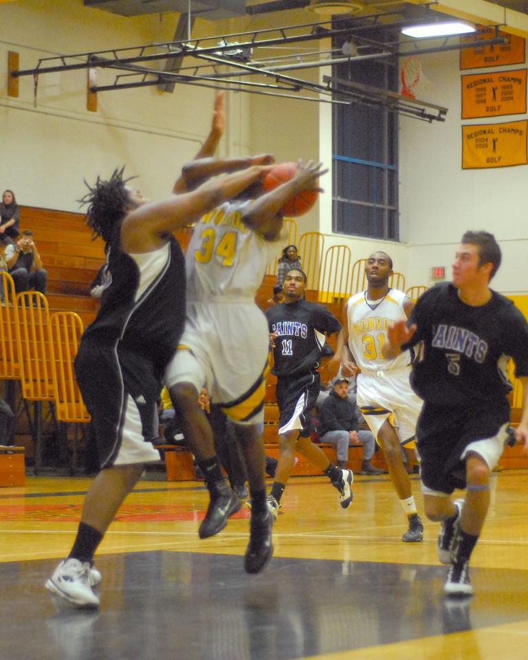 20100128_MCC Basketball_0081a