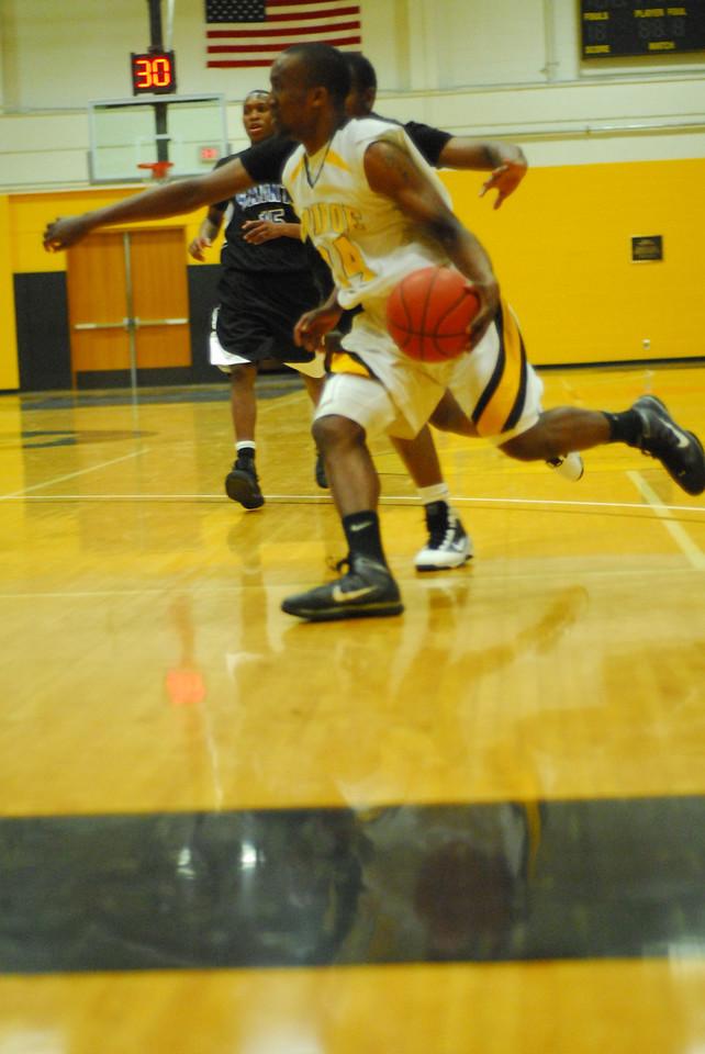 20100128_MCC Basketball_9961