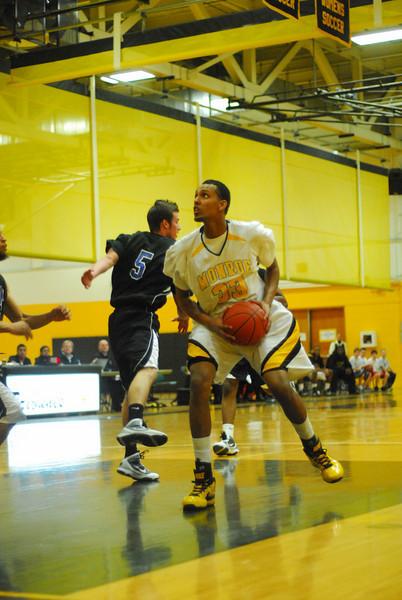 20100128_MCC Basketball_9957