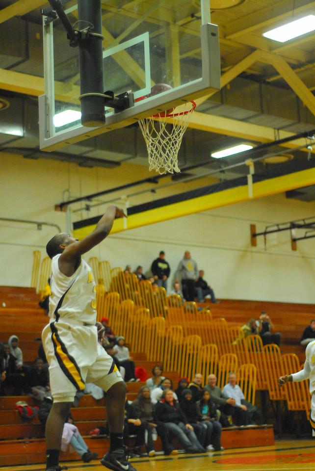20100128_MCC Basketball_0126