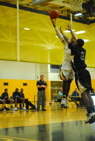 20100128_MCC Basketball_9986