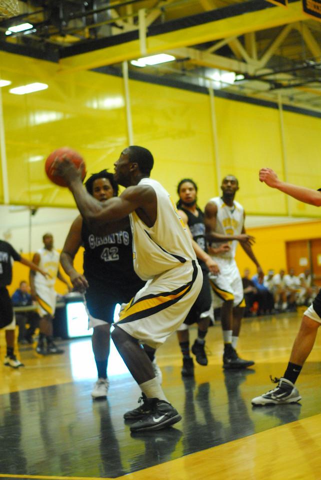 20100128_MCC Basketball_9988