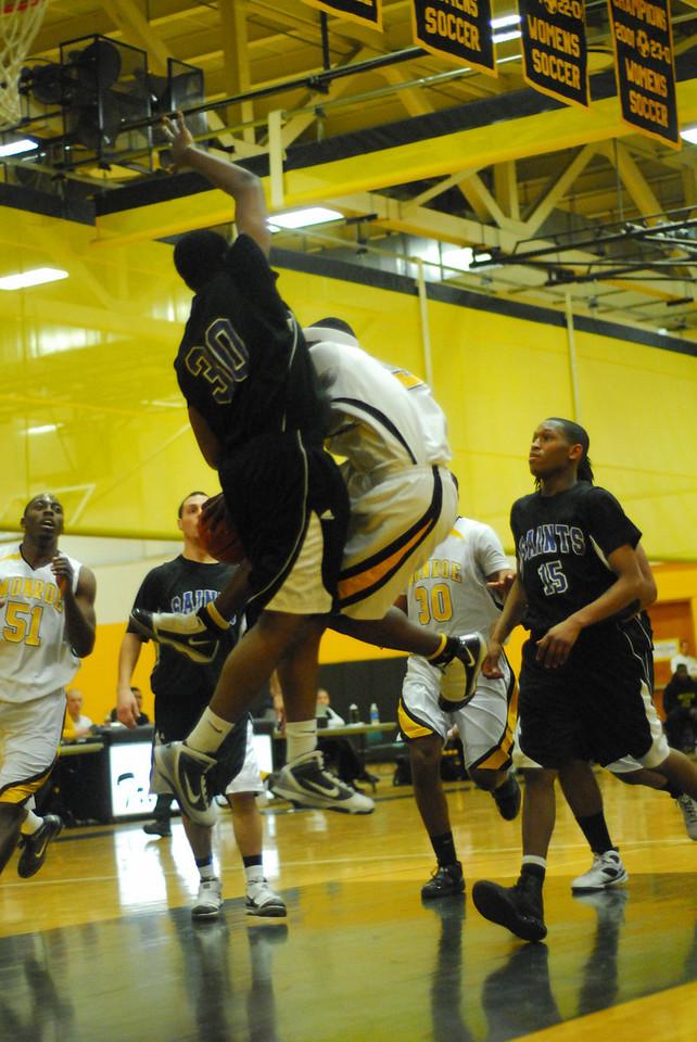 20100128_MCC Basketball_0007
