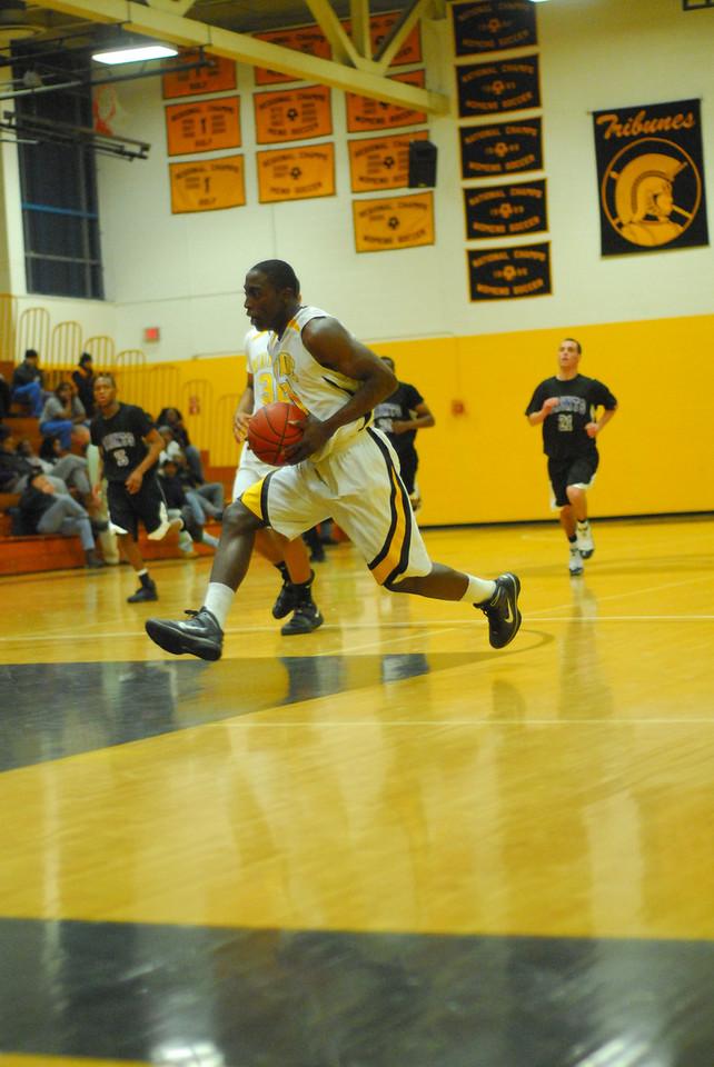 20100128_MCC Basketball_0040