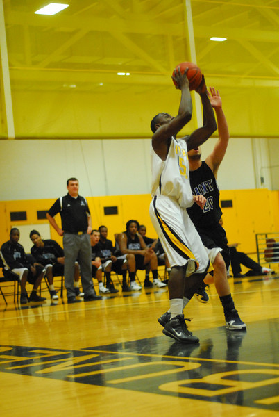 20100128_MCC Basketball_9972