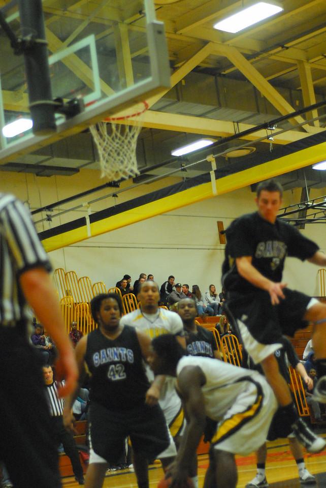 20100128_MCC Basketball_0029