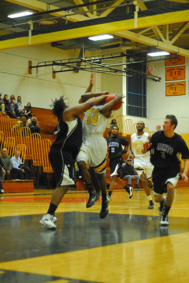 20100128_MCC Basketball_0081