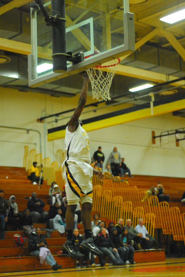 20100128_MCC Basketball_0125