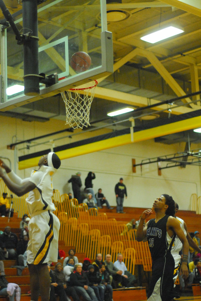 20100128_MCC Basketball_0141