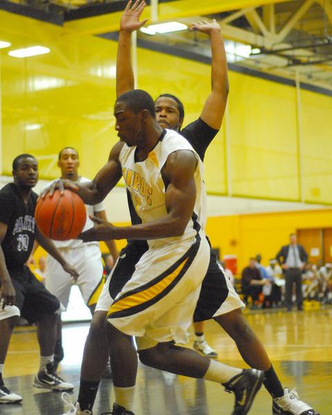 20100128_MCC Basketball_0012a