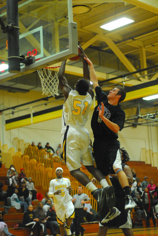 20100128_MCC Basketball_0129