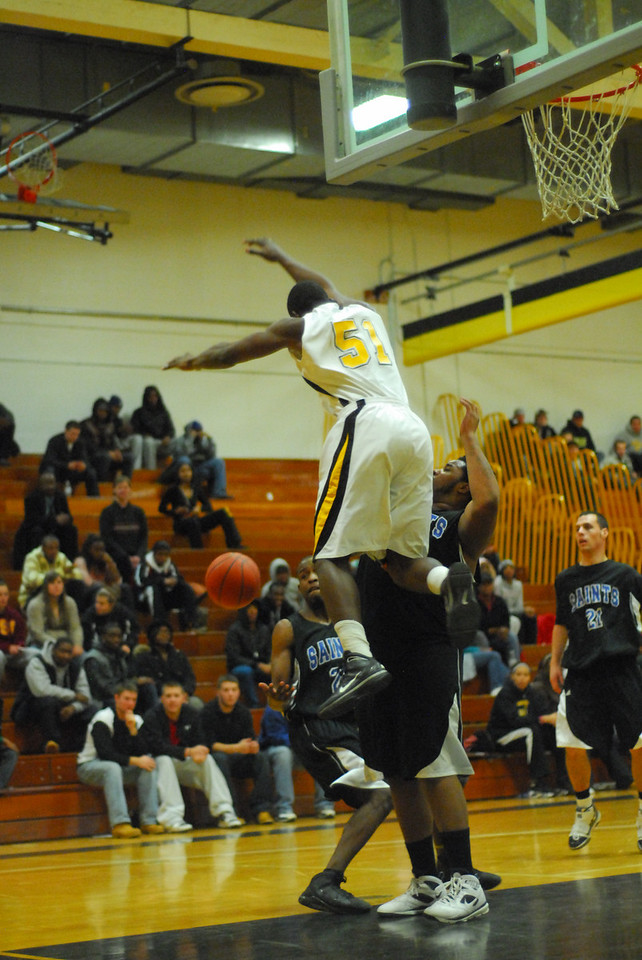 20100128_MCC Basketball_0111