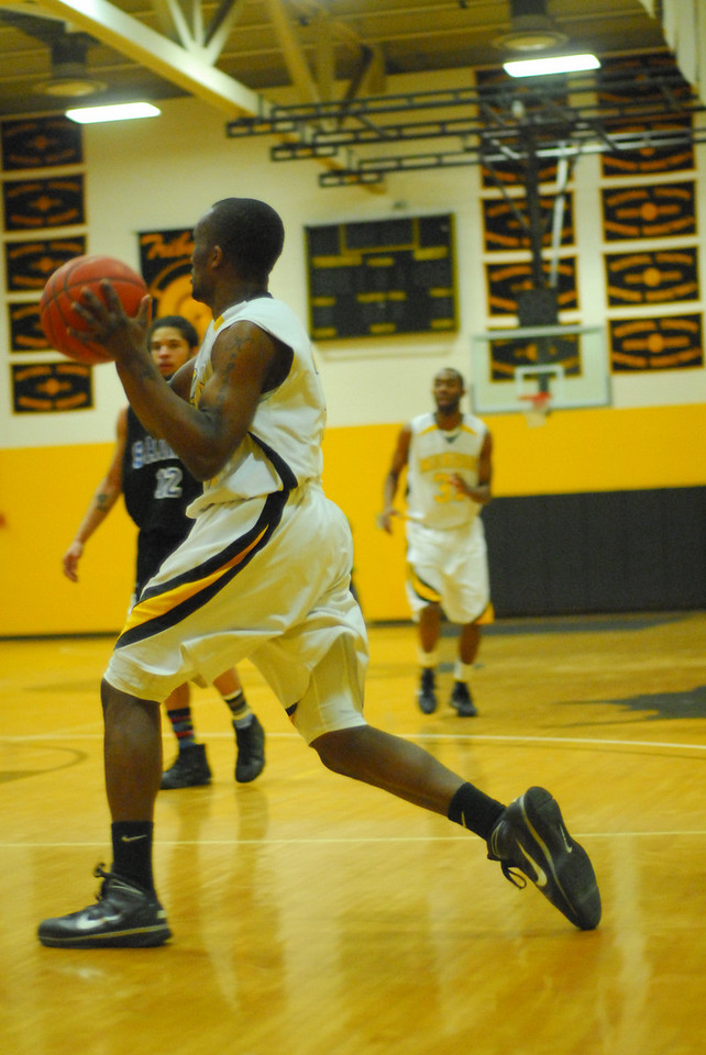 20100128_MCC Basketball_0098