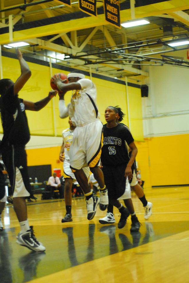 20100128_MCC Basketball_0006