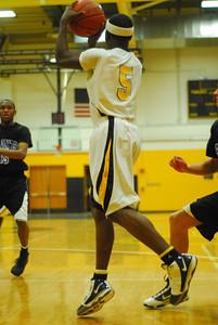 20100128_MCC Basketball_9940