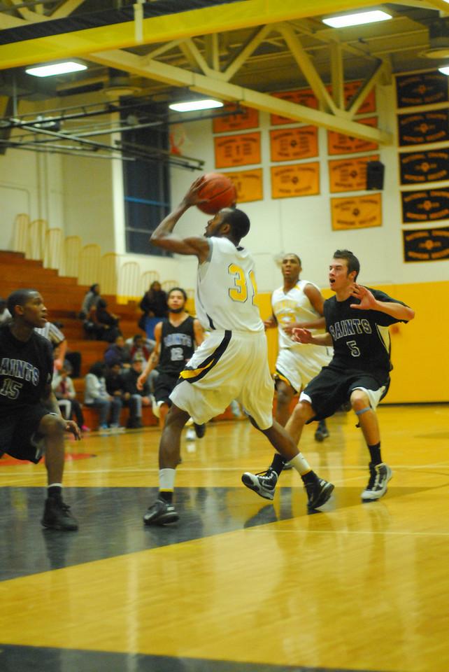 20100128_MCC Basketball_0090