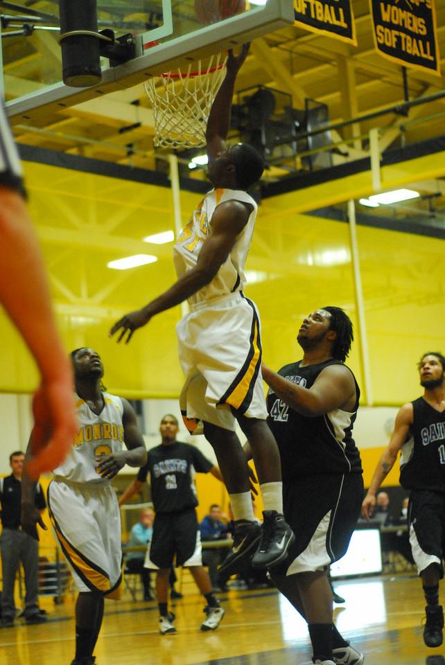 20100128_MCC Basketball_9991