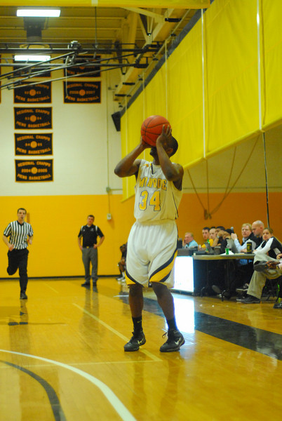 20100128_MCC Basketball_0052