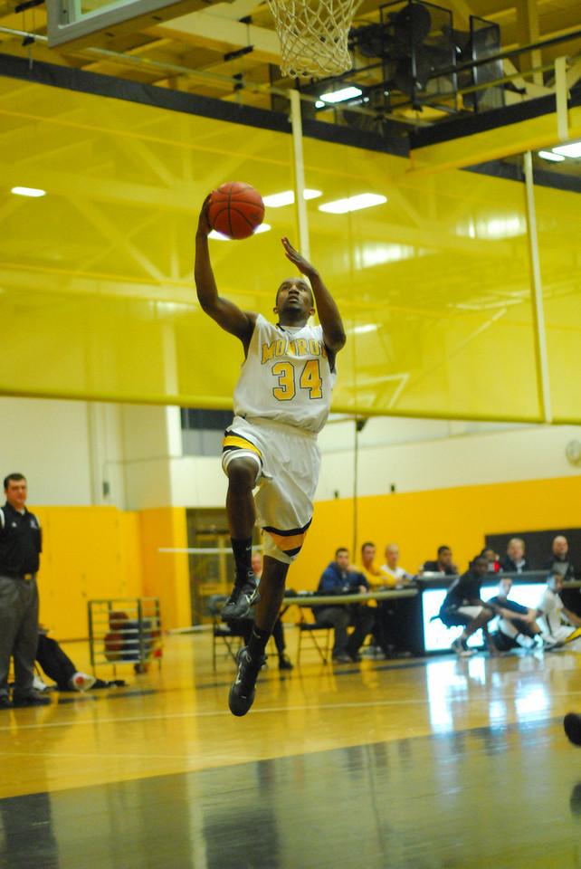 20100128_MCC Basketball_9997