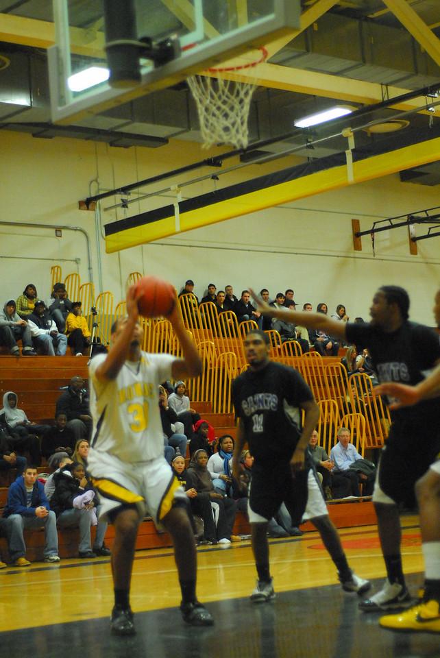 20100128_MCC Basketball_0058