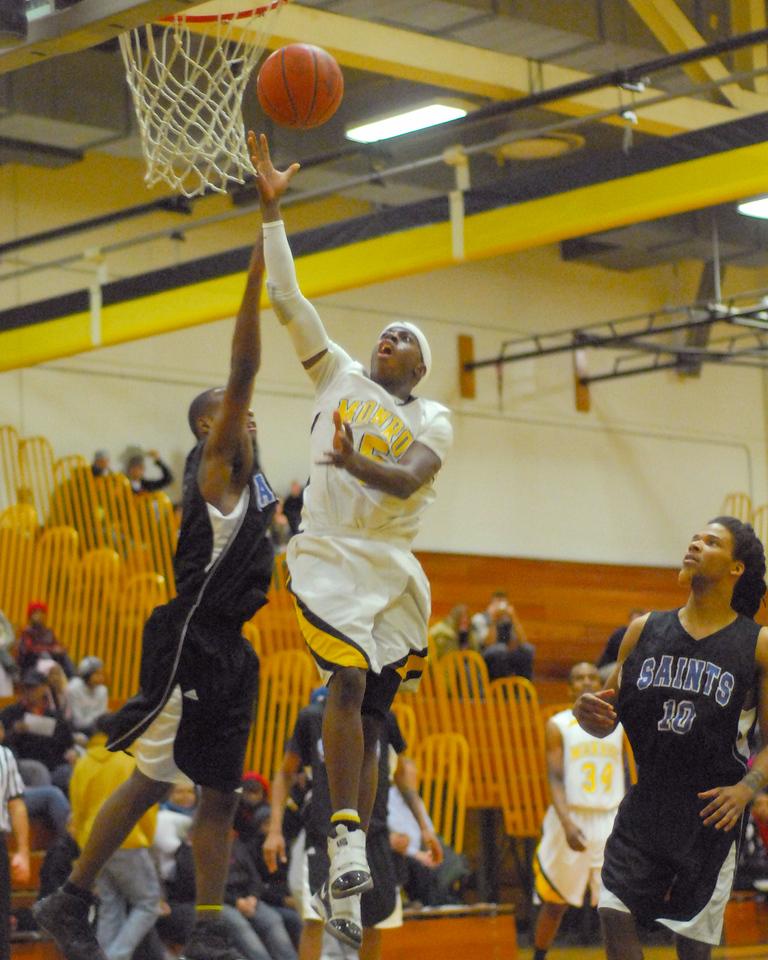 20100128_MCC Basketball_0133a