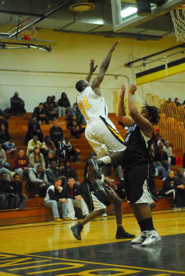20100128_MCC Basketball_0110