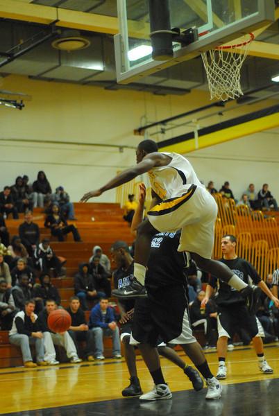 20100128_MCC Basketball_0112