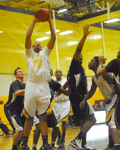 20100128_MCC Basketball_0025a