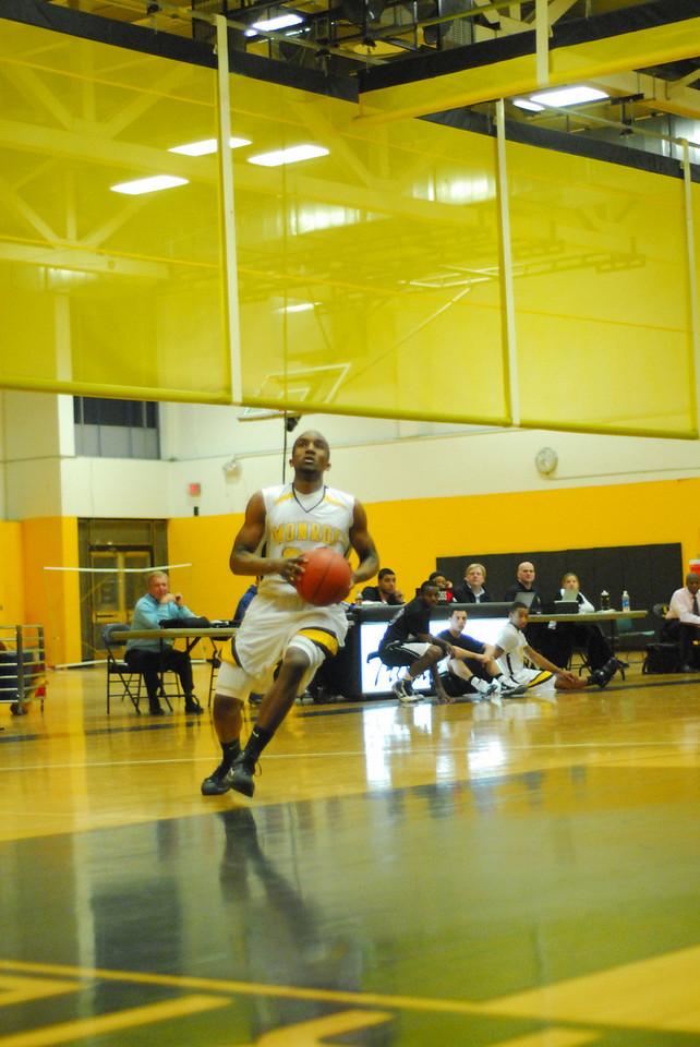 20100128_MCC Basketball_9995