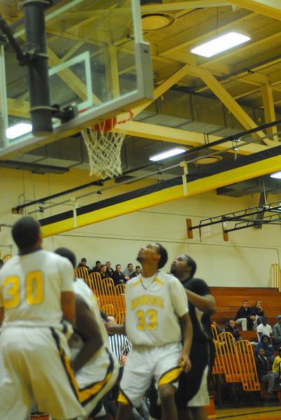20100128_MCC Basketball_0073